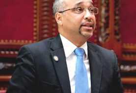 Senador dominicano NY acusado de recibir miles dólares indebidamente