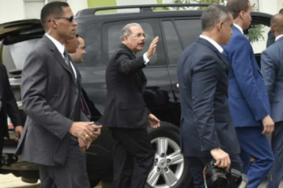 Presidente Danilo Medina pide que lo dejen trabajar