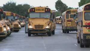 Evacuan escuelas en Queens por amenazas de bomba