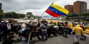 Al menos 500 organizaciones sindicales convocan a huelga general