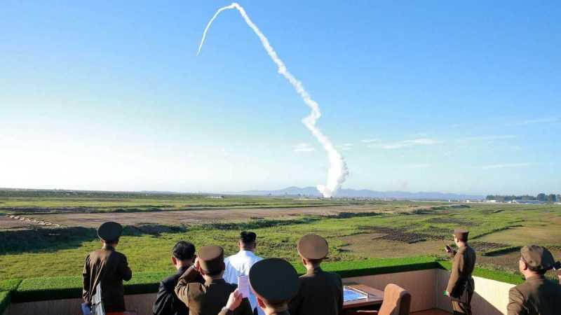 Corea del Norte lanza un misil balístico y crea tensión