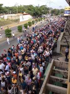 Consulta popular en Venezuela se realiza con normalidad