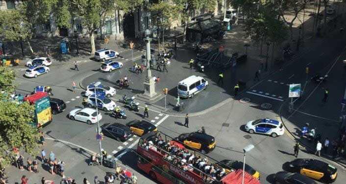 Pánico en Barcelona tras atentado dejó al menos 13 muertos
