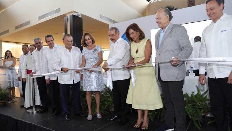 Danilo Medina asiste a inauguración Blue Mall Punta Cana