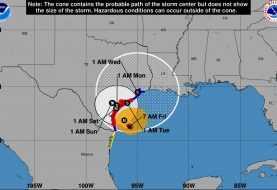 Harvey se enfila hacia Texas como huracán categoría 2