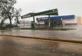 Huracán Harvey pierde fuerza, causa daños generalizados en Texas