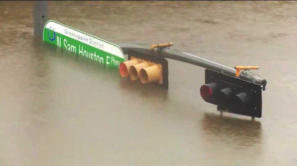 Al menos cinco muertos tras paso de Harvey en Texas