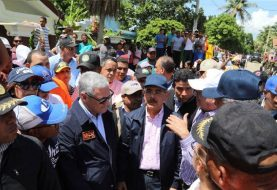 Danilo Medina recorre zonas afectadas de Montecristi y Duarte