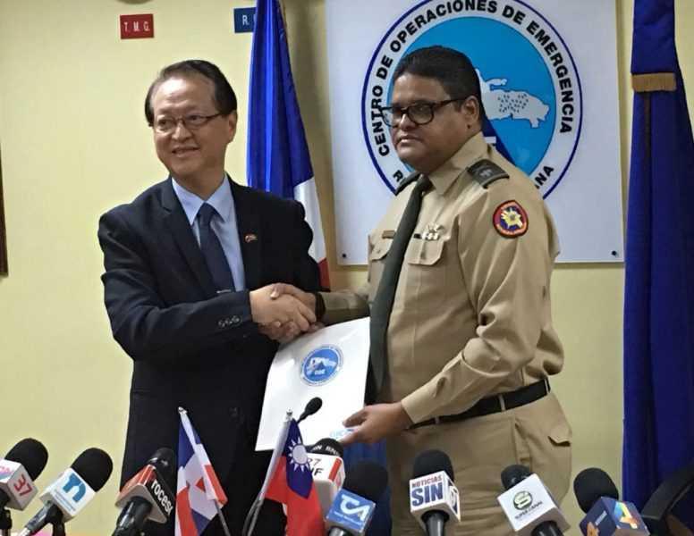 Taiwan dona 100 mil dólares al COE