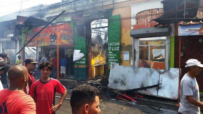 Darán detalles esta tarde fuego afectó negocios La Vega