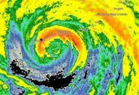 Huracán Irma llega a los Cayos de Florida como categoría 4
