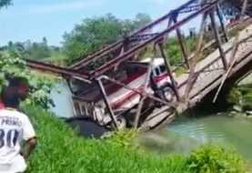 Se desploma puente de metal en Montellano, Puerto Plata