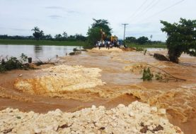 Anoche desborde de río Boba incomunica localidad en Nagua
