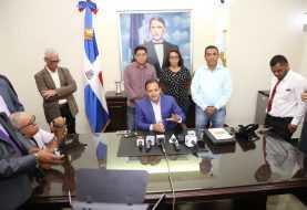 Ayuntamiento de Santiago rechaza aumento pasaje