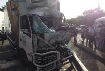 Al menos cuatro heridos accidente múltiple autopista Joaquín Balaguer