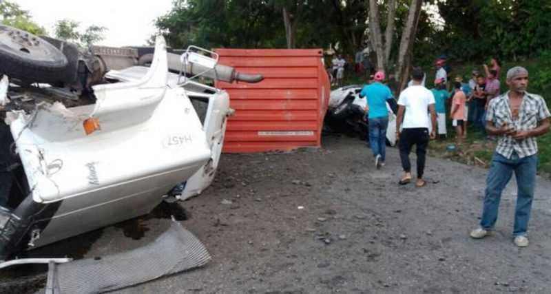 Fallo frenos patana provoca dos muertos en accidente múltiple