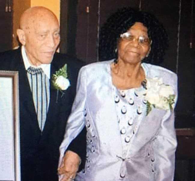 Asaltan y golpean pareja de 91 y 99 años en Brooklyn; esposo muere
