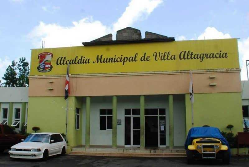 Medio Ambiente multa  con 2.3 millones Ayuntamiento Villa Altagracia por vertedero