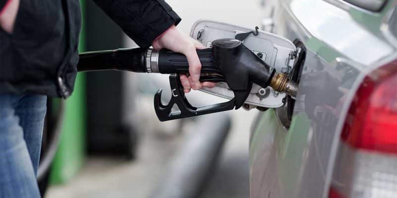 Industria y Comercio incrementa RD$3.00 precio gasolinas