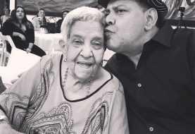 Merenguero Fernando Villalona pide oración por su madre