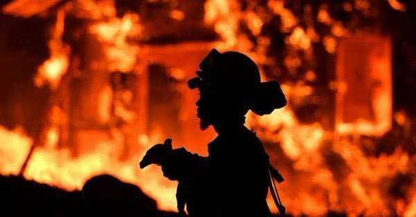 Tragedia en California!:  Al menos 10 muertos en incendios