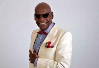 """Salsero Michel insulta mujer que lo llamó """"haitiano"""""""