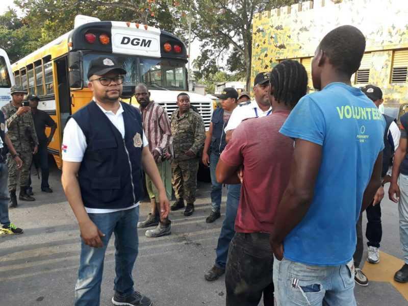 Migración deporta y devuelve más  9 mil extranjeros en septiembre