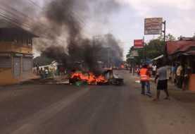 Ante protestas Domínguez Brito advierte que no cederá en protección Pez Loro