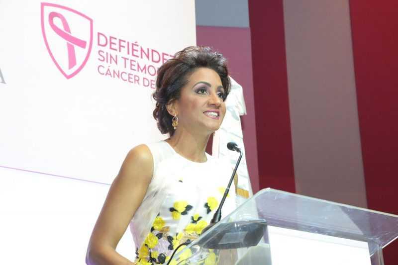 Primera Dama llama a prevenir cáncer de mama