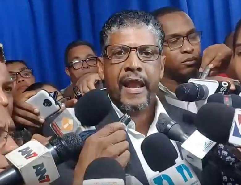 Familiares del profesor Yuniol Ramírez, critican declaraciones fiscal Diná