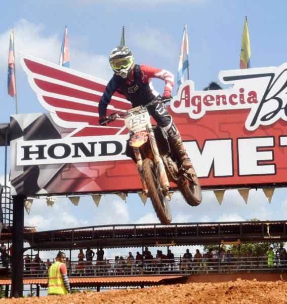 El súper loco arrasó categorías superiores Motocross