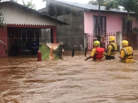 Tormenta Nate deja al menos 26 muertos en Centroamérica