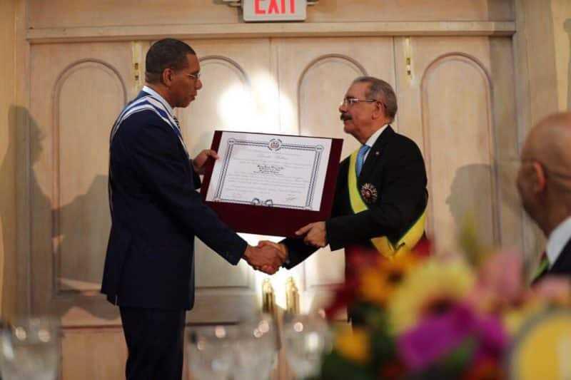 Condecoraciones de gobiernos de Jamaica y RD