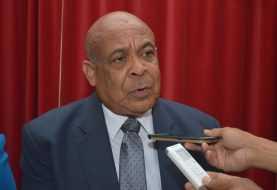 Vicepresidente PRD sale en defensa del doctor César Mella