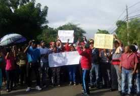 Paralizan La Canela por 12 horas en protesta