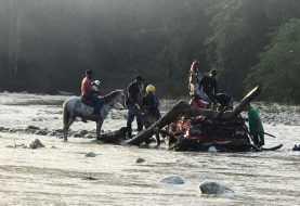 Un muerto y un desaparecido al ser arrastrada camioneta por río Camú