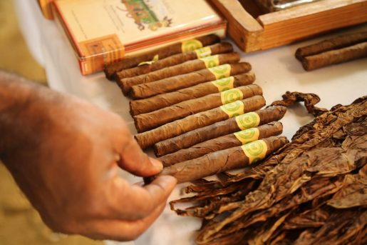 Espaillat: Tabacaleros reciben apoyo para agregar valor a sus productos