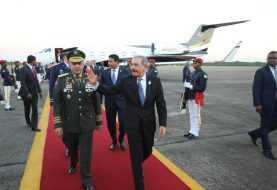 Danilo Medina regresa al país procedente de Panamá