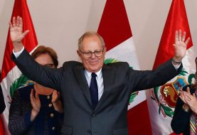 Kuczynski llama al Congreso Perú a preservar institucionalidad
