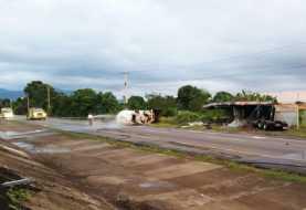 Bonao: Un muerto choque de camiones autopista Duarte