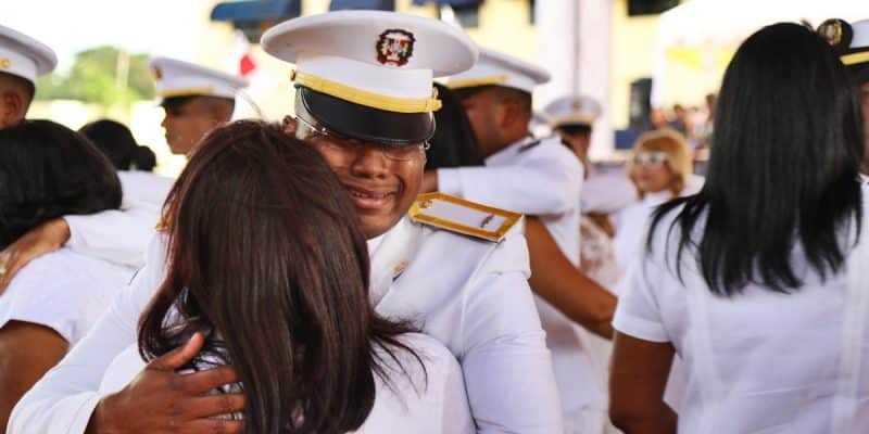 Danilo Medina encabeza XVI promoción de cadetes de la Fuerza Aérea