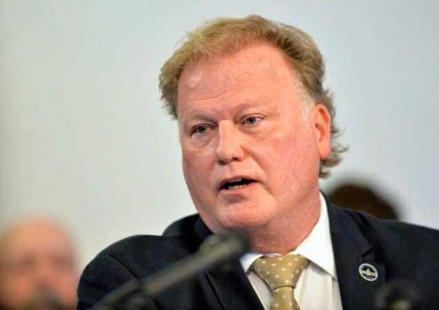Legislador Dan Johnson  se pega un tiro