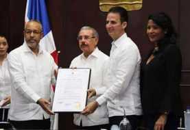 Danilo Medina declarado hijo adoptivo de Puerto Plata