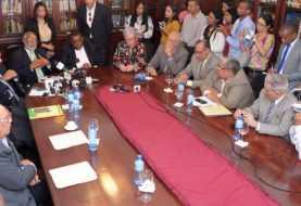 Autoridades de Salud y Colegio Médico inician diálogo