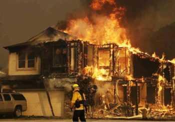 Incendios California:  Peligro extremo al retornar los vientos
