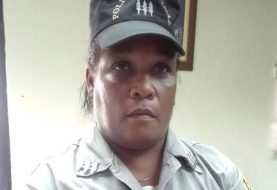 Mujer se hacía pasar como capitán de la Policía