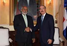 Danilo Medina recibe al presidente del CMD, Wilson Roa