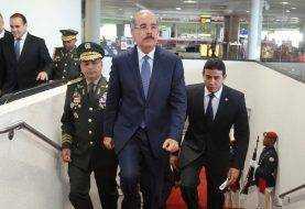 Danilo Medina sale a Suiza a Foro Económico Mundial