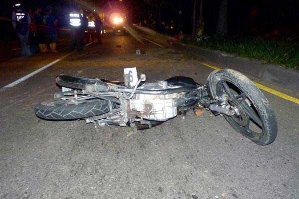 Baní: Mueren tres en accidente