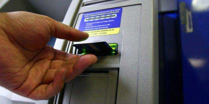 ¿Ciberataques a cajeros automáticos?